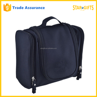 China Manufacturer Custom Men Fashion Polyester Travel Cosmetic Bag In Black