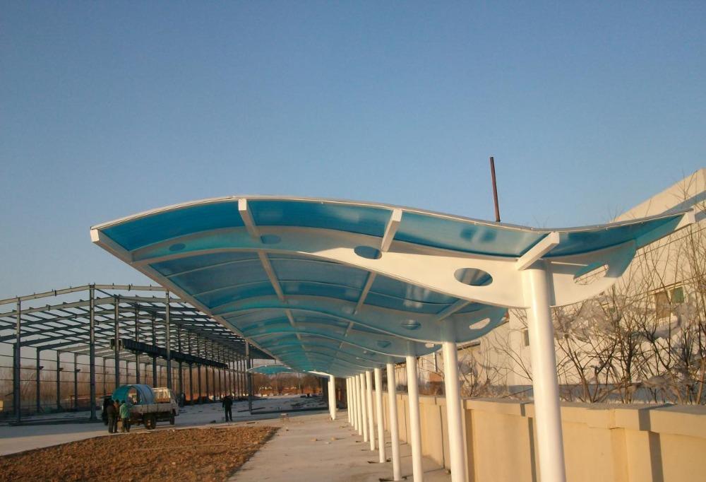 Garajes cocheras con techo de policarbonato cochera for Garajes con techos policarbonato