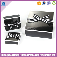 Different sizes of folding paper boxes for gift clothes packaging/apparel packaging