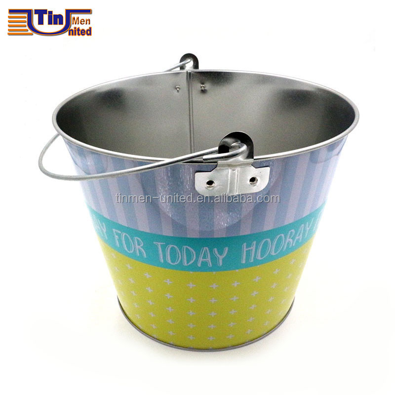 Middle Tin Bucket with Handle