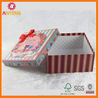 Customized design wax coated paper food box magnetic closure gift box