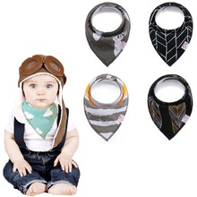 Online Wholesale Private Label triangle Snap cotton fleece baby bandana bibs organic cotton