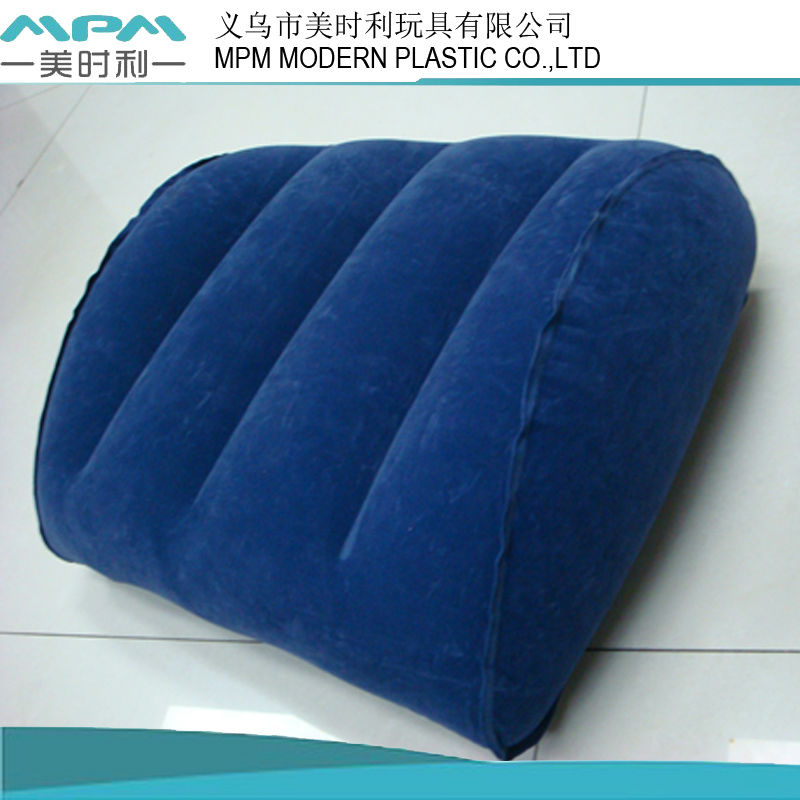 2013 fashion design inflatable beach wedge pillow