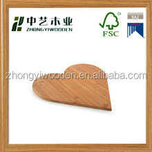 hot selling FSC handle kitchen fruit wooden vegetable cutting board for breakfast