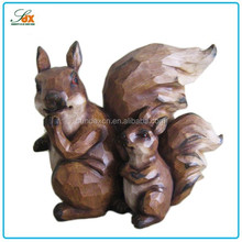 Newest hot selling resin squirrel figurine garden decoration