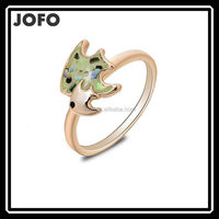 2015 New Design Shell Piece Drop Gold Plated Beautiful High Quality Tropical Fish Finger Ring FGJ0027