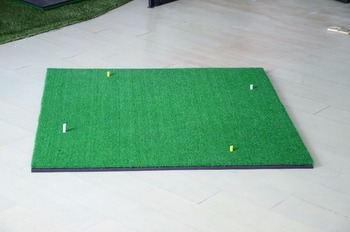 Shenzhen China Factory Sell Golf Hitting Mat Customized Embroidery Available