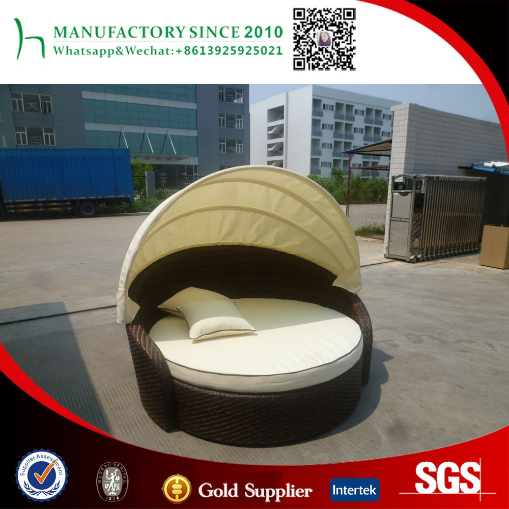 Stylish rattan/wicker sun bed/daybed with canopy