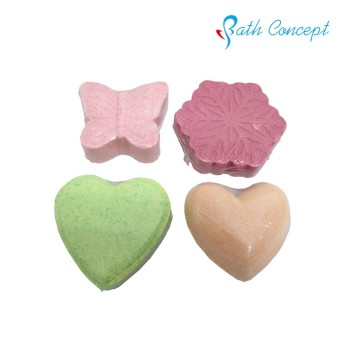 Cute fizzy bath bombs