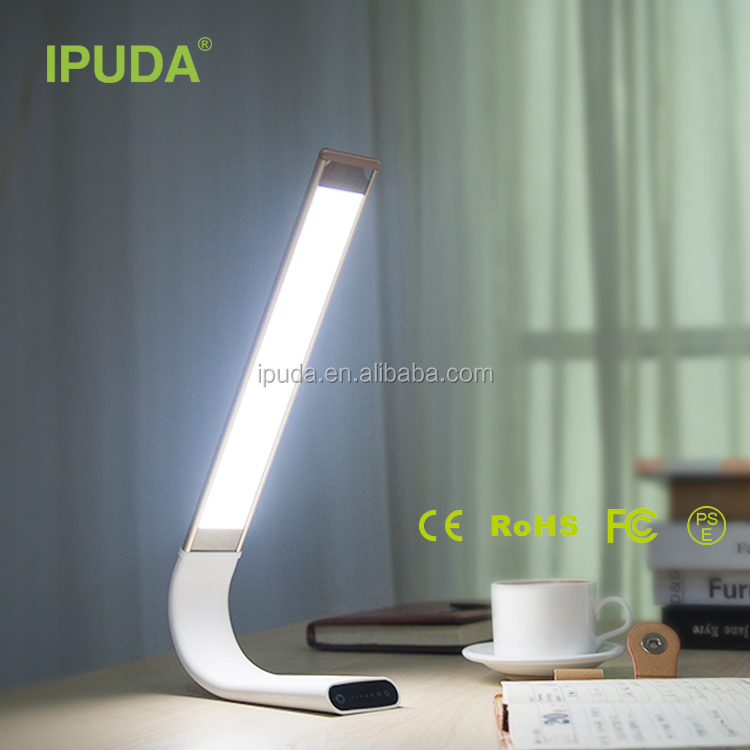 2017 new products IPUDA flexible battery powered led table lamp with 3 year warranty