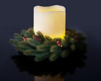 LED with wreaths candles