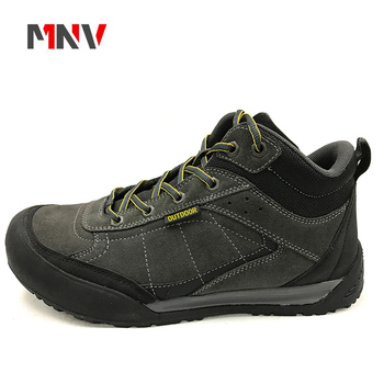 2018 new sample wholesale cheap Anti-fur hiking shoes with waterproof