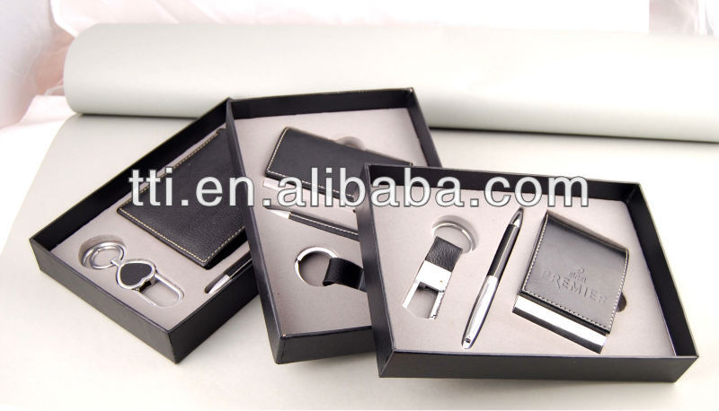 Deluxe Metal Pen Set in fancy gift box set for men Fathers Day keyring set name card