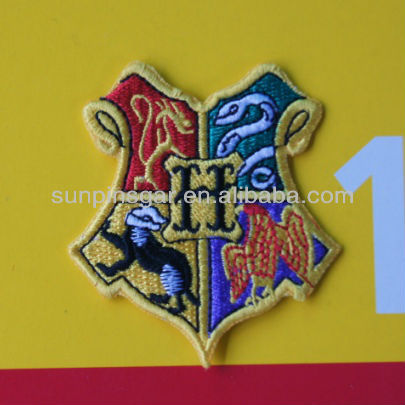 Fashion iron on heat seal embroidery patch for clothing