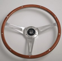 China Real Wood wholesale 3 spoke Steering Wheels for classic car