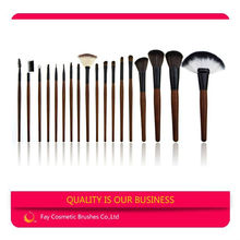 China Factory Professional Makeup Brush Kit 18 Piece with Custom Logo Synthetic Hair Brush Set