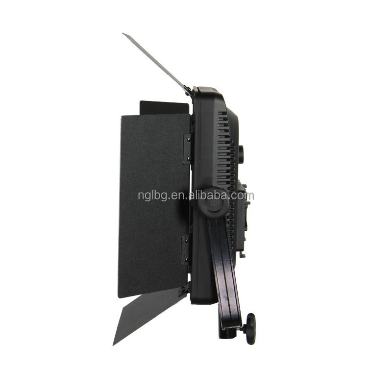 NanGuang CN-600SA on location LED light for studio perfect for Photo and Video
