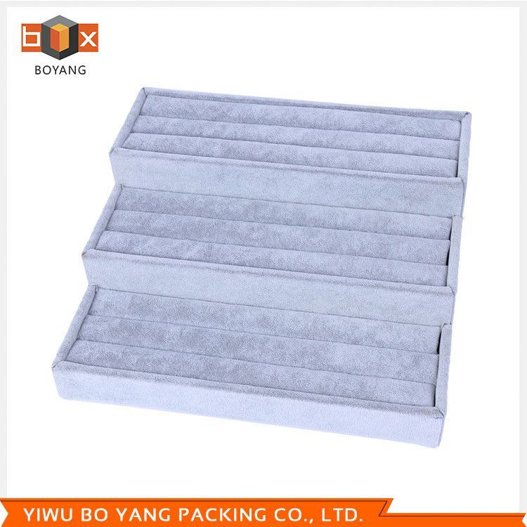 Best selling different types plastic hanging display boxes with fast delivery