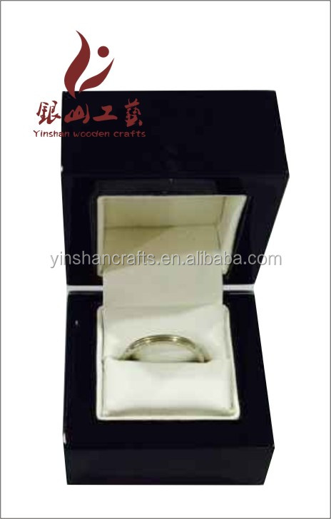High Quality Custom Made Luxury Engagement Ring Box in China