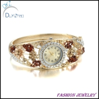 Wholesale & New design women bracelet watch with flowers