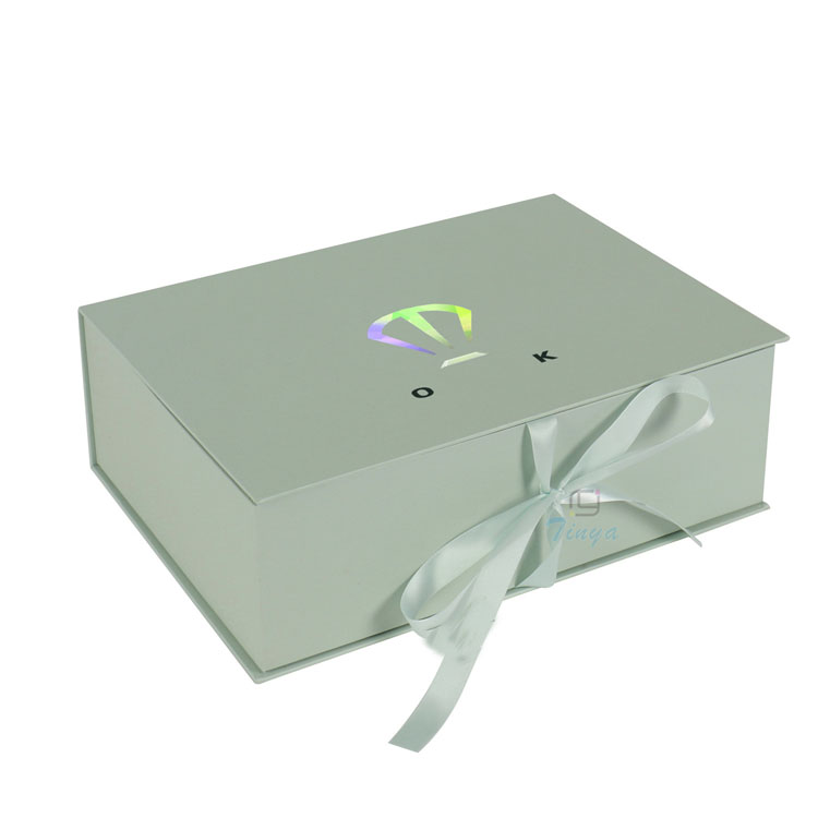 recyclable luxury custom clothing packaging