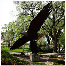 outdoor large size flying brass eagle statue for garden decoration