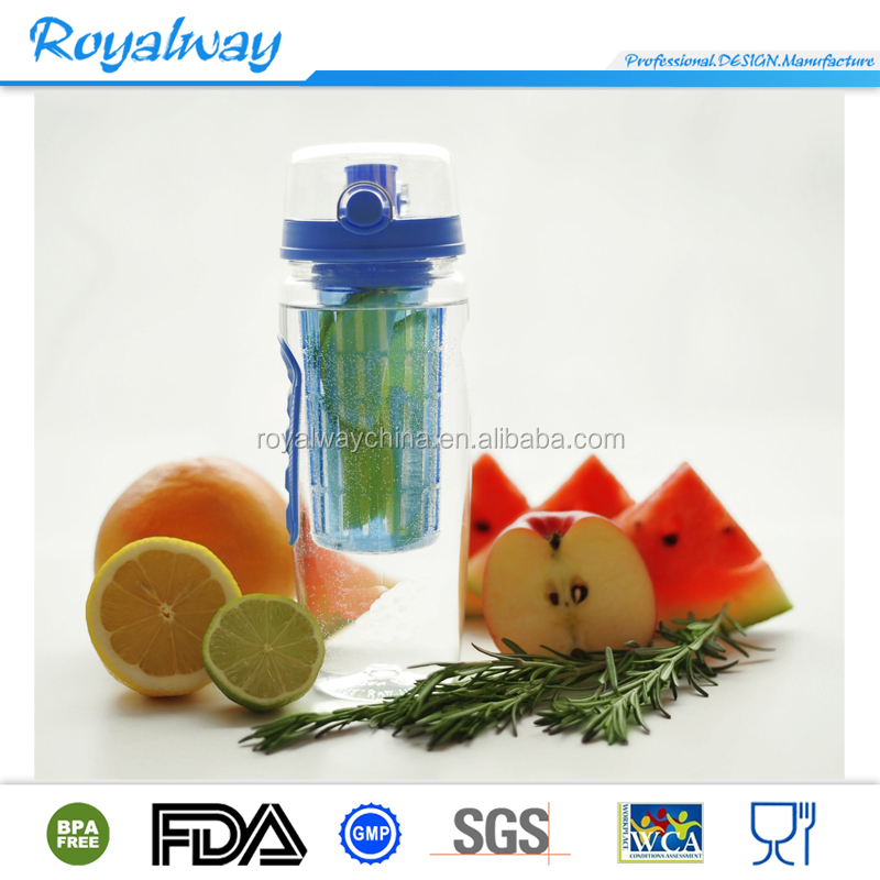 Personalized outdoor blue color tritan fruit infuser water bottle with handle