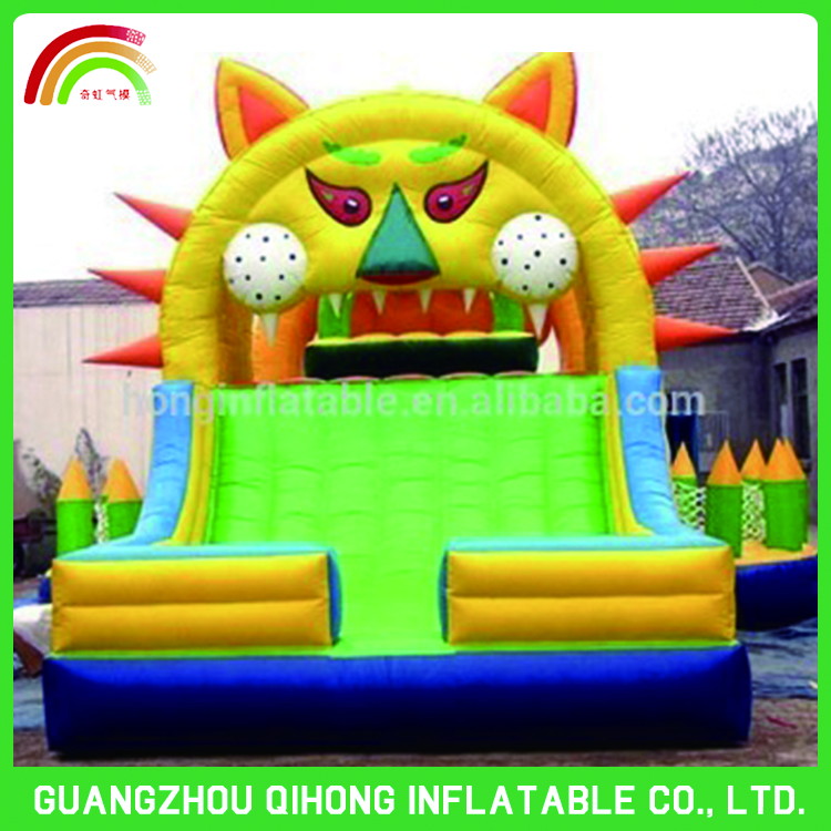Funny inflatable jumping castle/moon bounce with latest artwork changeable