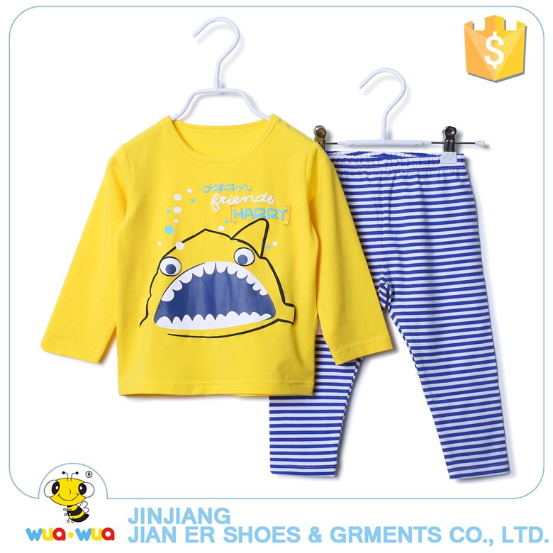 Wholesale children outfit clothing set cute design sport clothing kids stripe girls and boy clothes set for winter
