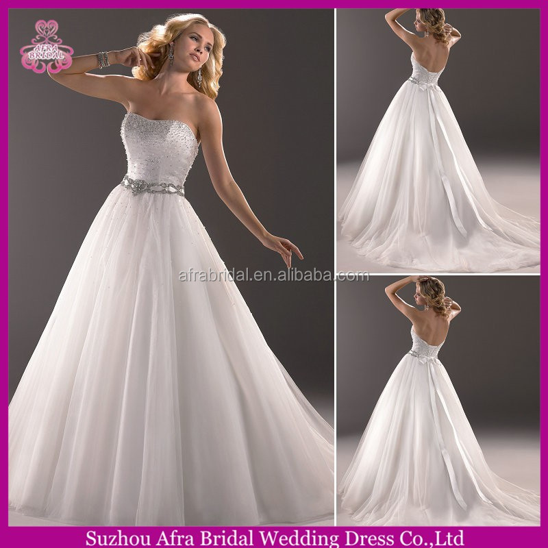 QQ3195 puffy tulle cheap ball gown brazilian wedding dresses with bling sash