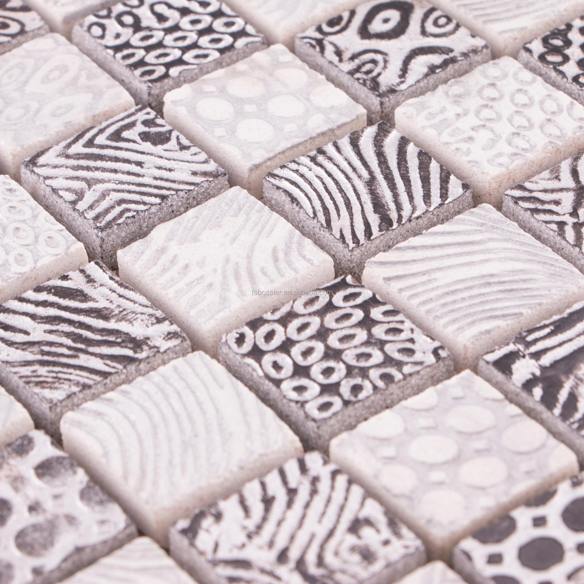 carrelage mosaique noir et blanc. carrelage sol et mur salle de bain