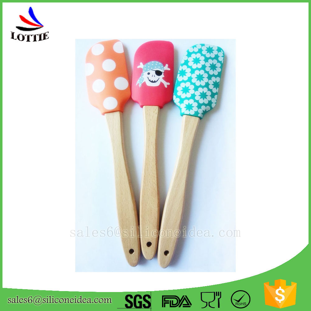 100% Food Grade Personalized Baking kitchen silicone Christmas pastry spatula kids silicone spatula