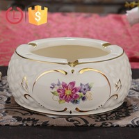 Porcelain ivory color with golden line round ashtray for smoke