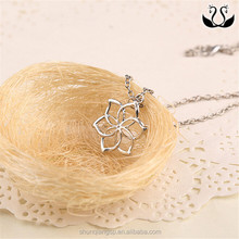 Hobbit Necklace unexpected journey around the official Galadriel Flower Necklace