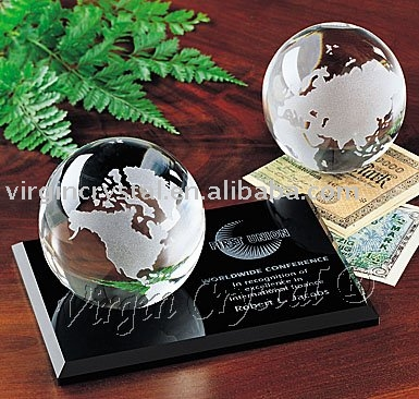Crystal global paperweight with black base