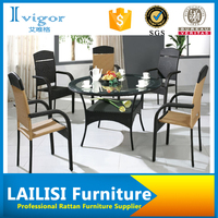 Comfortable classic rattan dining set with 4 Chairs and 1 Table