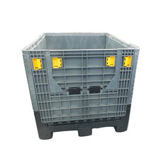Solid-walled, folding standard plastic bulk container