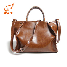 oil wax genuine leather cowhide leather with adjustable shoulder strap newest pictures lady fashion handbag