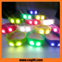 2016 Cheapest Logo Customized led bracelets,led flashing bracelets Novelty gifts