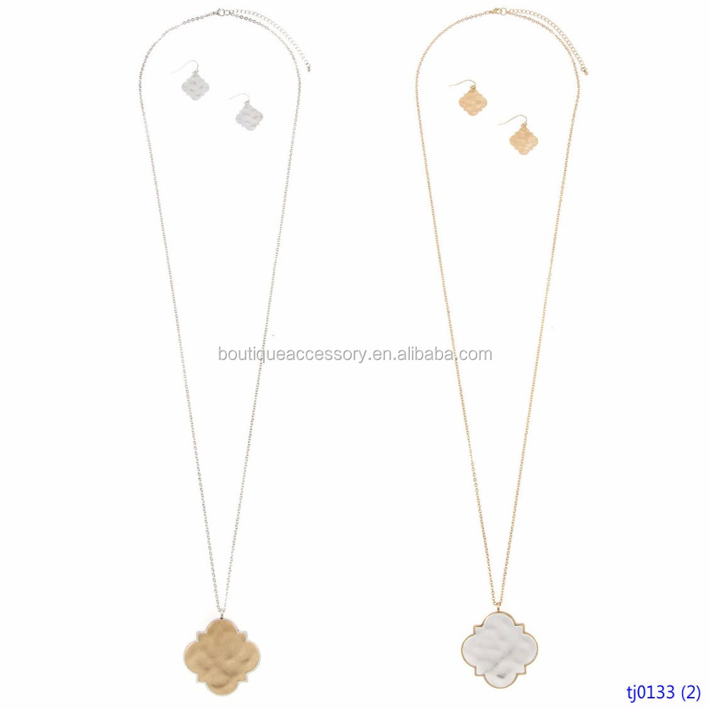 Elongated Quatrefoil Two Tone Blank Pendant Necklace Set