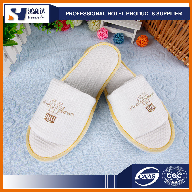 Promotional new style anti-slip bath waffle hotel slipper