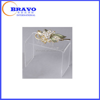 Clear Acrylic jewelry plexiglass stand