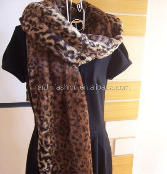 hot-selling wholesale acrylic leopard long faux fur scarf for ladies
