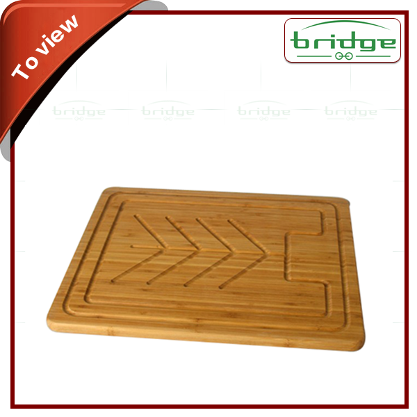 Carved hign quality bamboo cutting board