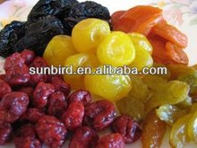 mixed dried fruits/raisin/goji berries/dried mango /date/fruits with organic food