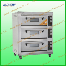 Flour mixing machine for bread