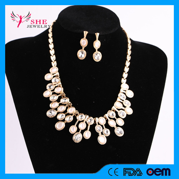 2017 New Style Crystal and Pearl Mix Bohemian Style Gold Plated Necklace Sets