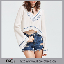 Clothes factory wholesale latest new designs styles ladies White long sleeve Bell Sleeve Embroidered Crepe Crop Top