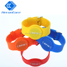 rubber band adjustable ntag213 wristband tickets custom silicone rfid wristband