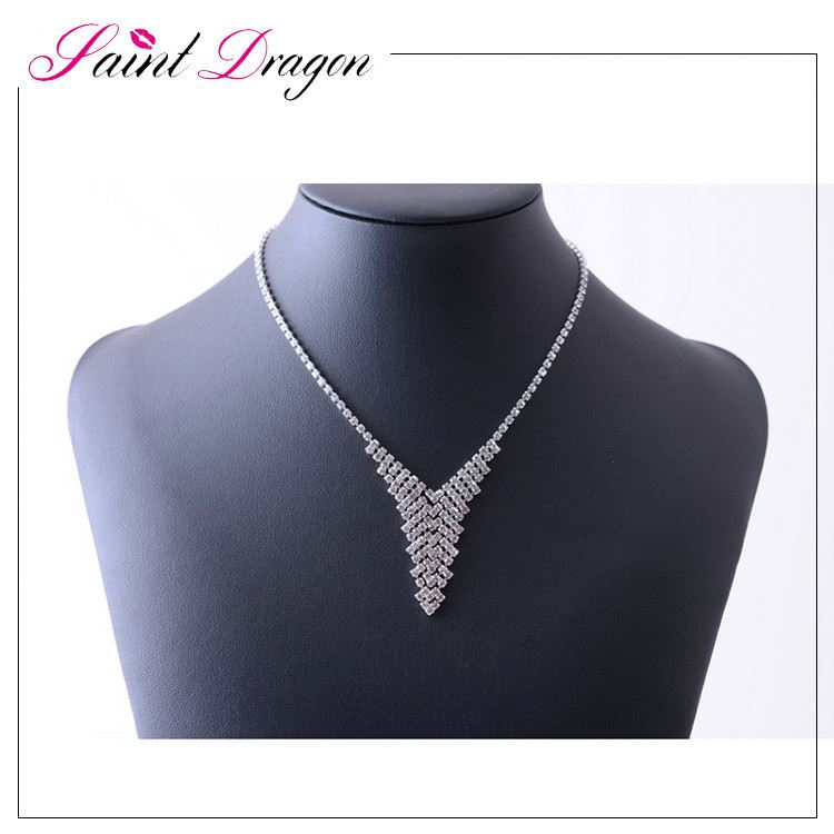 China factory customized fashion crystal wedding jewelry luxury necklace body accessories